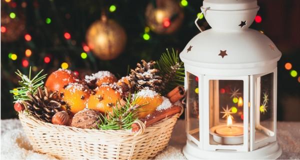 Weihnachtskorb mit Windlicht