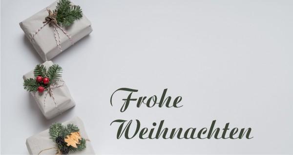 Geschenke auf weißem Hintergrund