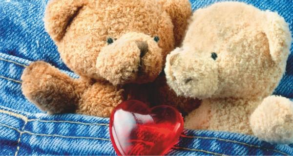 Zwei Teddys mit Herz