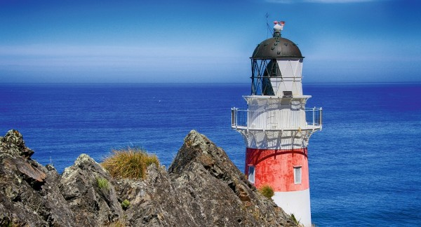 Leuchtturm vor Ozean
