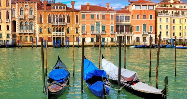 Venedig mit 3 Gondeln